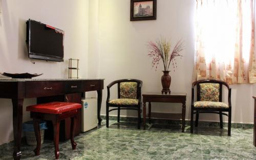 Expat room for rent 17